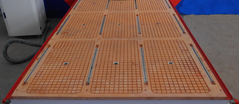 рабочий столом с бакелитовой поверхностью